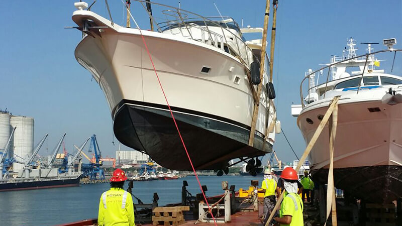 Yatch Discharging
